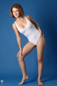 http://img284.imagevenue.com/loc491/th_364866104_tduid300163_silver_angels_Sandrinya_I_whiteswimwear_1_003_122_491lo.jpg
