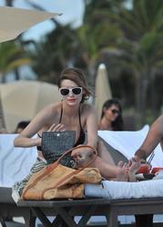 http://img284.imagevenue.com/loc538/th_311323169_IZ4AR2BCA5_Mischa_Barton_Wearing_a_Bikini_in_Miami008_122_538lo.jpg